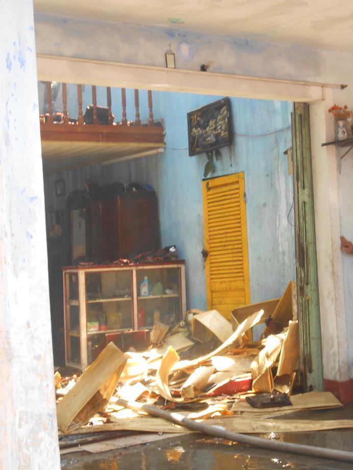 TP Huế: Cháy nhà hai tầng, 3 ông cháu thoát nạn - Ảnh 5