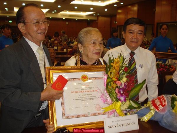 TP HCM: Trao danh hiệu cho 89 mẹ Việt Nam Anh hùng - Ảnh 4