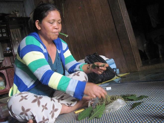 Làng của những phụ nữ thà nhịn đói không chịu bỏ thuốc rê - Ảnh 1