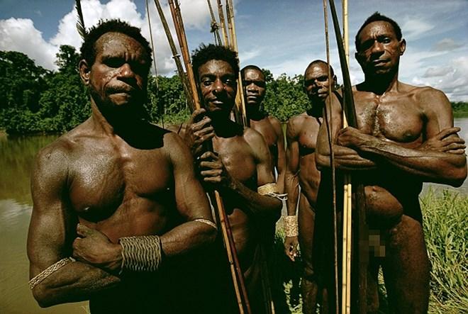 Bộ tộc từng ăn thịt người, thích kết hôn… đồng giới - Ảnh 12