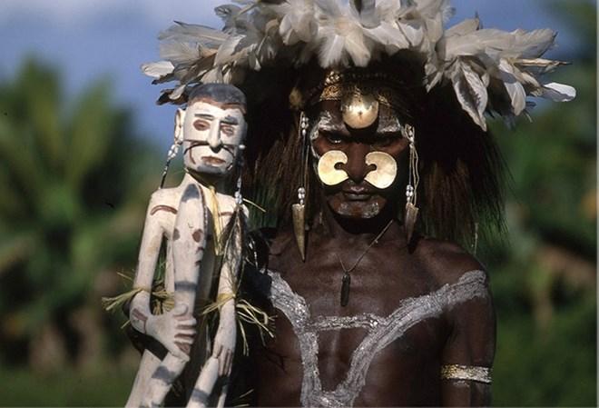 Bộ tộc từng ăn thịt người, thích kết hôn… đồng giới - Ảnh 15