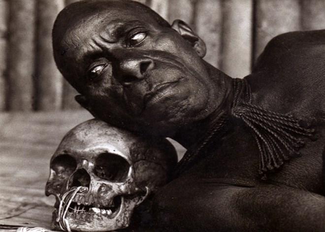 Bộ tộc từng ăn thịt người, thích kết hôn… đồng giới - Ảnh 1