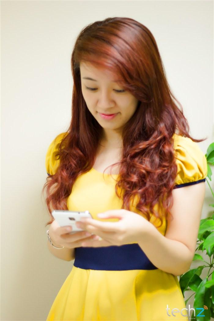 Galaxy Note 3 đọ vẻ đẹp cùng thiếu nữ - Ảnh 3