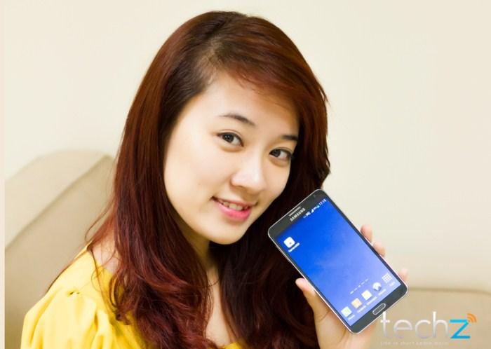 Galaxy Note 3 đọ vẻ đẹp cùng thiếu nữ - Ảnh 2