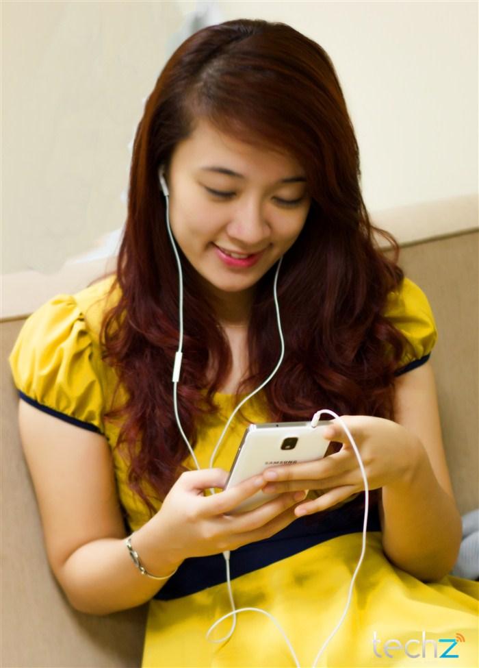 Galaxy Note 3 đọ vẻ đẹp cùng thiếu nữ - Ảnh 13
