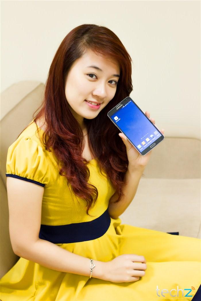 Galaxy Note 3 đọ vẻ đẹp cùng thiếu nữ - Ảnh 15