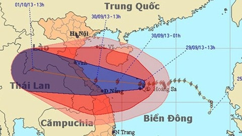 S.O.S! Siêu bão số 10 giật cấp 17 đổ vào miền Trung - Ảnh 1