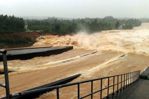 Nghệ An: Nước ngập trên diện rộng sau bão - Ảnh 1