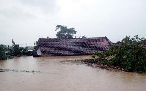 Nghệ An: Nước ngập trên diện rộng sau bão - Ảnh 2