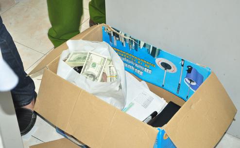 """Bóc gỡ """"tập đoàn"""" đánh bạc trực tuyến có số tiền giao dịch 500 tỷ đồng - Ảnh 2"""