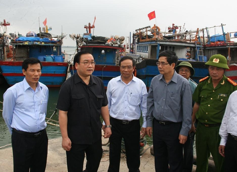 Phó Thủ tướng Hoàng Trung Hải kiểm tra công tác ứng phó siêu bão Haiyan tại Huế - Ảnh 2