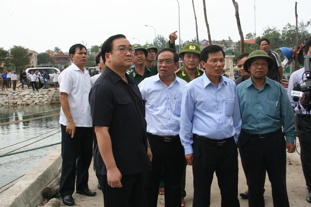 Phó Thủ tướng Hoàng Trung Hải kiểm tra công tác ứng phó siêu bão Haiyan tại Huế - Ảnh 1