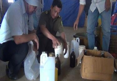 Doanh nhân Trung Quốc thuê người tẩm hóa chất vào sầu riêng - Ảnh 2