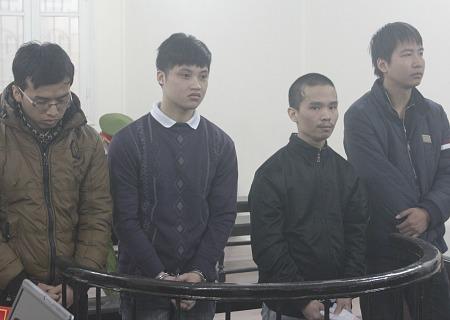 Nhóm sinh viên cùng lĩnh án vì trộm tiền qua mạng - Ảnh 1