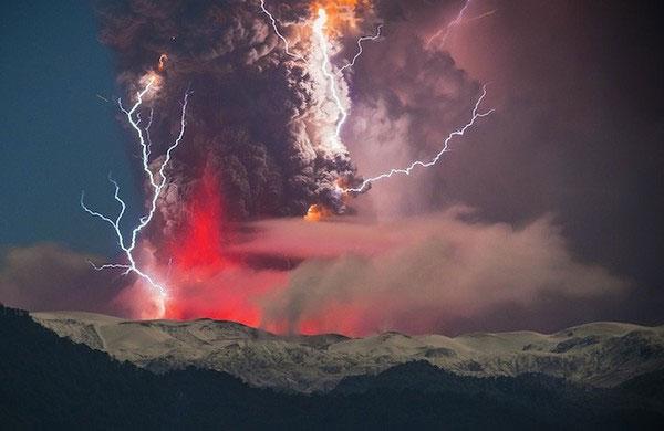 """Cảnh tượng ngoạn mục """"ngoài hành tinh"""" khi núi lửa phun trào - Ảnh 4"""