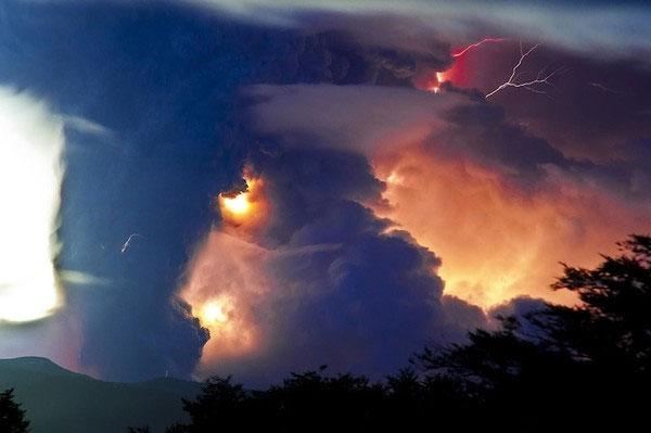 """Cảnh tượng ngoạn mục """"ngoài hành tinh"""" khi núi lửa phun trào - Ảnh 8"""