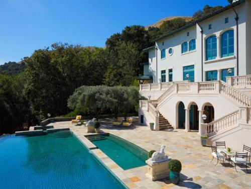 Cận cảnh những bể bơi đẹp như mơ của sao Hollywood - Ảnh 4
