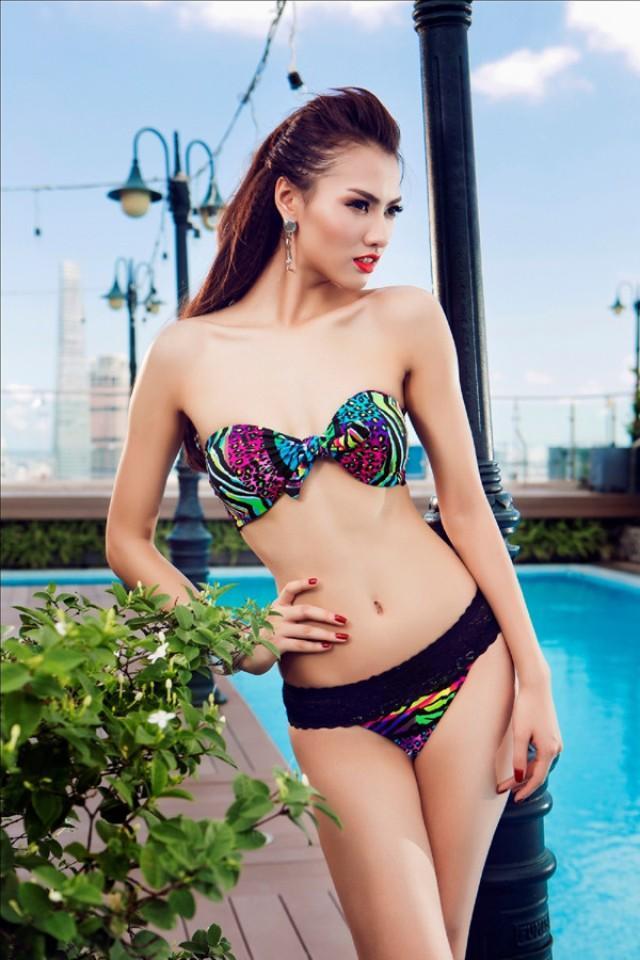 Hồng Quế diện bikini sắc màu rực rỡ đón nắng Hè