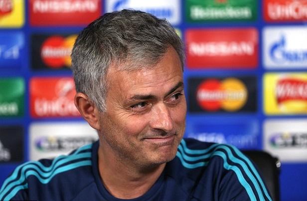 Mourinho ký hợp đồng với MU trong hôm nay - Ảnh 1