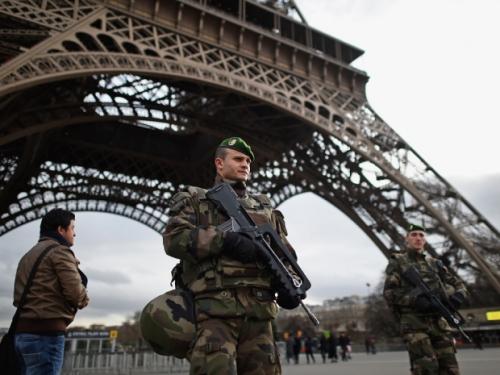 82 nhân viên an ninh bảo vệ EURO 2016 bị nghi liên quan đến khủng bố - Ảnh 1