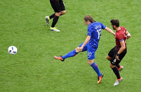 Thổ Nhĩ Kỳ 0-1 Croatia: 3 lần chạm xà ngang và 1 siêu phẩm - Ảnh 1