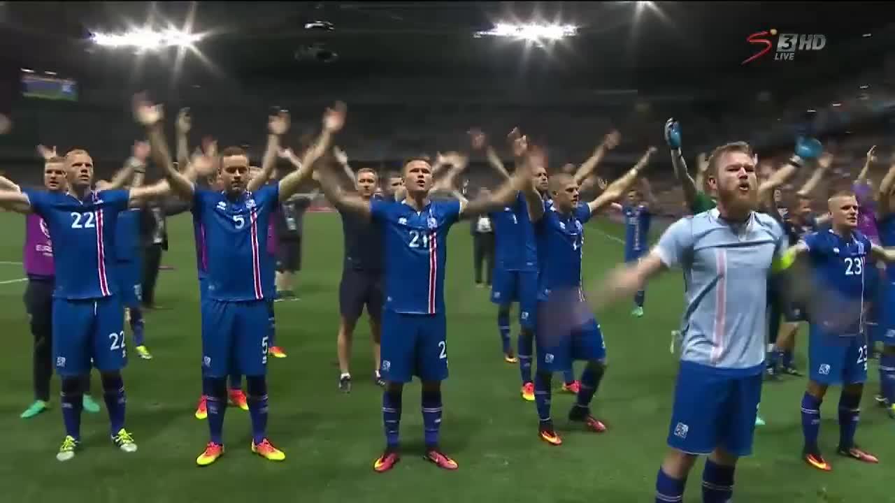 Cầu thủ Iceland ăn mừng siêu dị sau trận thắng tuyển Anh - Ảnh 1