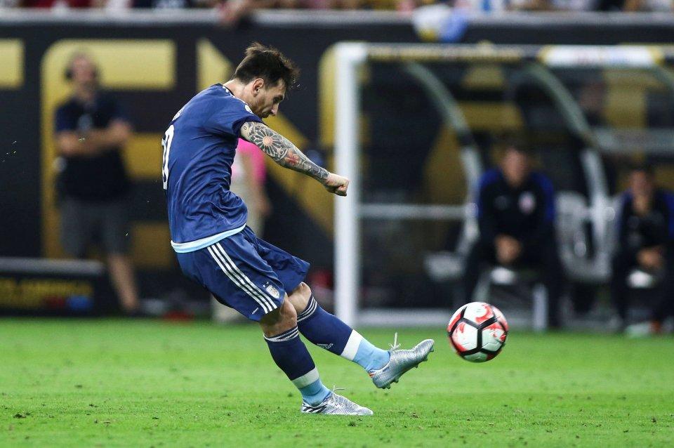 """Top 10 bàn thắng """"đỉnh"""" nhất Copa America 2016 - Ảnh 1"""
