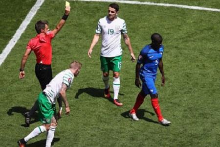 Danh sách cầu thủ bị treo giò ở tứ kết và có nguy cơ lỡ bán kết EURO 2016 - Ảnh 1