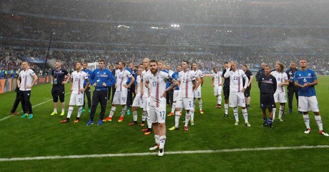 Thua trận, Iceland vẫn ăn mừng, thị uy ấn tượng - Ảnh 6
