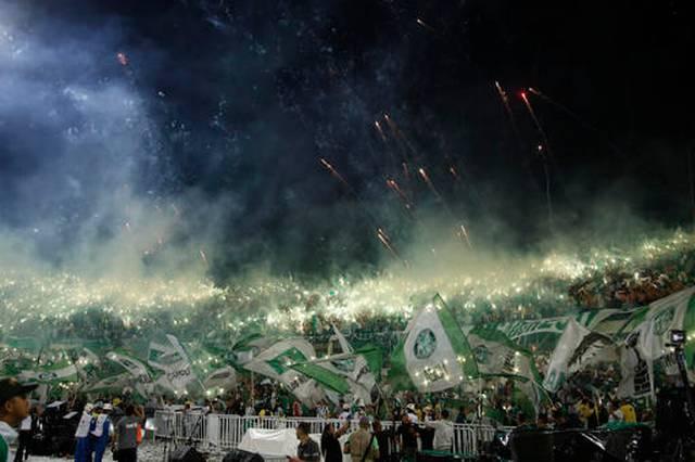 Màn pháo sáng hoành tráng chưa từng có ở chung kết Copa Libertadores - Ảnh 1