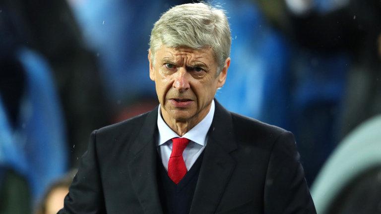 Nhân viên Arsenal xin nghỉ việc để Wenger có tiền mua sắm - Ảnh 1
