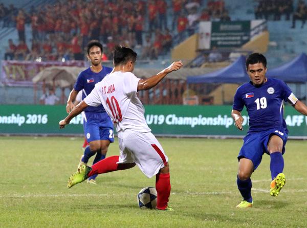 U19 Việt Nam thắng chật vật khó tin trước U19 Philippines - Ảnh 1