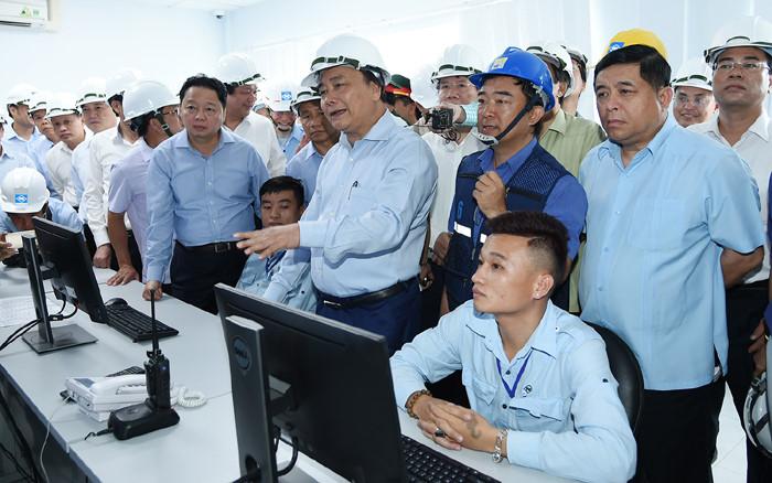 Thủ tướng thị sát và làm việc tại Formosa Hà Tĩnh - Ảnh 2