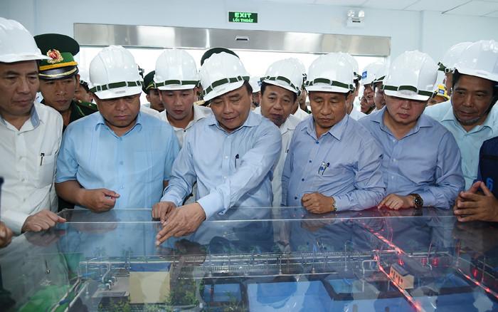 Thủ tướng thị sát và làm việc tại Formosa Hà Tĩnh - Ảnh 1