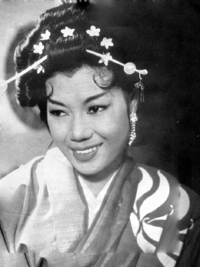 Cuộc đời kỳ nữ Kim Cương: Tài năng, nhan sắc, danh vọng và 5 lần lỡ dở tình duyên - Ảnh 4