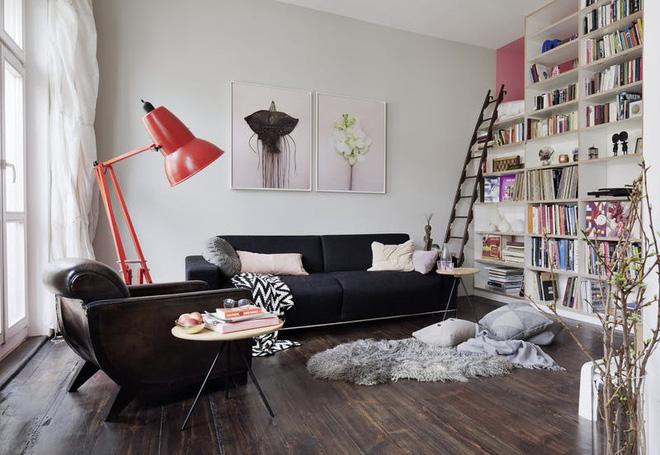 Bí mật của căn hộ 40m² nhìn đâu cũng đầy ắp đồ đạc mà vẫn siêu gọn gàng - Ảnh 1