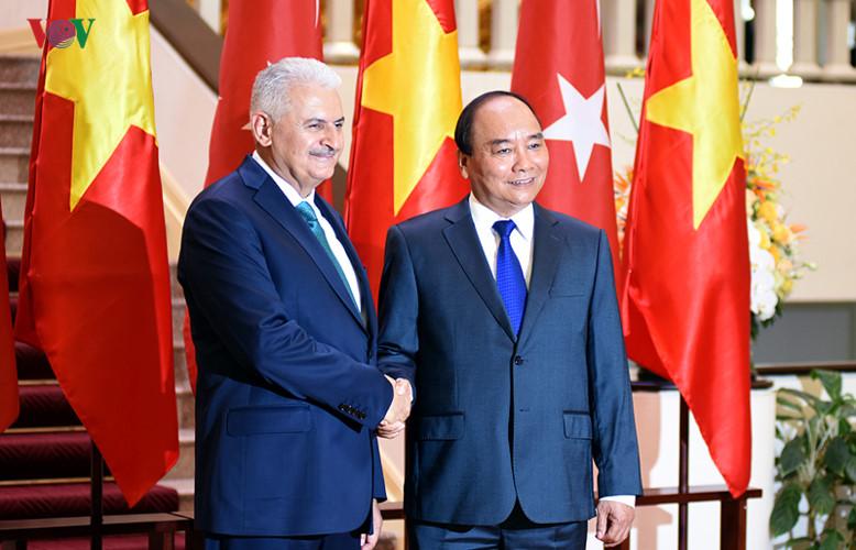 Hình ảnh lễ đón Thủ tướng Thổ Nhĩ Kỳ thăm chính thức Việt Nam - Ảnh 10