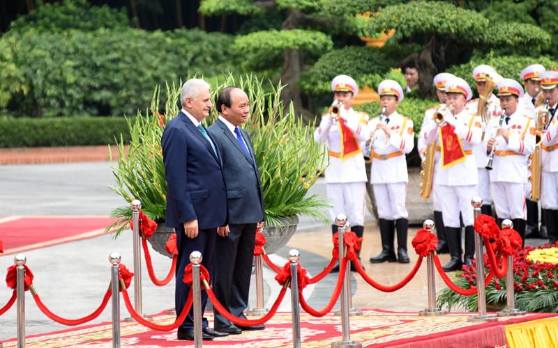 Hình ảnh lễ đón Thủ tướng Thổ Nhĩ Kỳ thăm chính thức Việt Nam - Ảnh 3