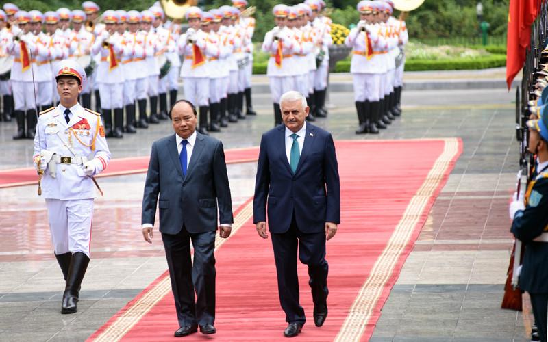 Hình ảnh lễ đón Thủ tướng Thổ Nhĩ Kỳ thăm chính thức Việt Nam - Ảnh 6