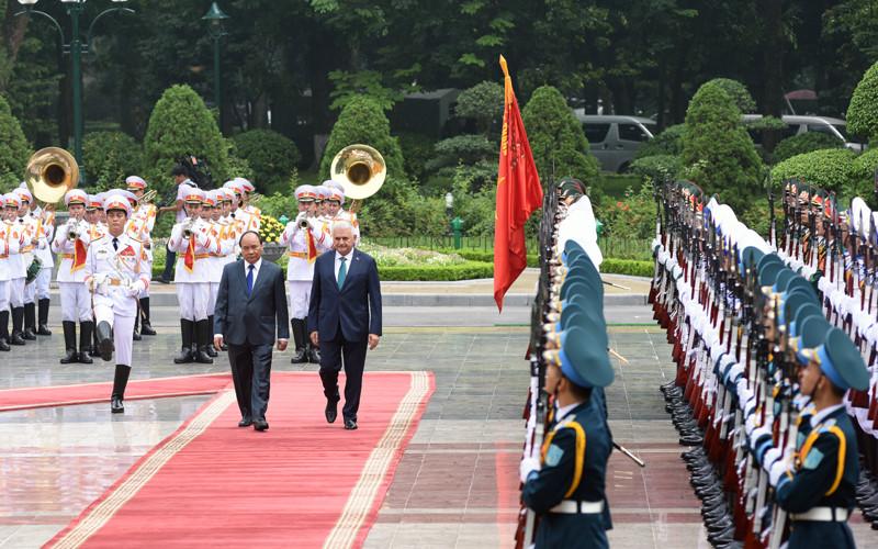 Hình ảnh lễ đón Thủ tướng Thổ Nhĩ Kỳ thăm chính thức Việt Nam - Ảnh 5