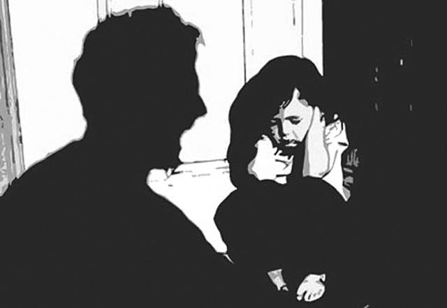 Bé gái bị bạn trai quen qua mạng giở trò đồi bại ngay lần đầu gặp mặt