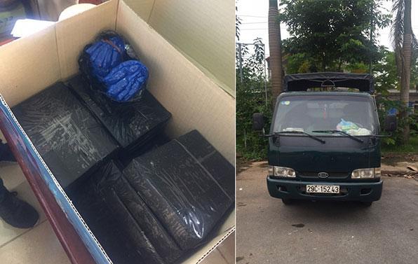 Hà Nội: Phá đường dây vận chuyển 15 bánh heroin và 2.000 viên ma túy tổng hợp