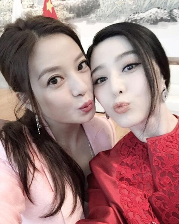 """Hoàn Châu Cách Cách: """"Hạ Tử Vy"""" lộ bản chất xấu xa, Triệu Vy trở thành nghệ sĩ bị ghét nhất 2017? - Ảnh 16"""