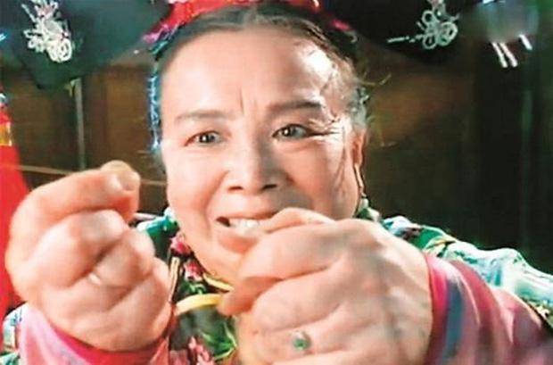 """Hoàn Châu Cách Cách: """"Hạ Tử Vy"""" lộ bản chất xấu xa, Triệu Vy trở thành nghệ sĩ bị ghét nhất 2017? - Ảnh 18"""