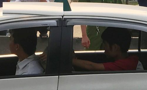 Xử phạt tài xế taxi hoang báo bị 2 tử tù cướp điện thoại