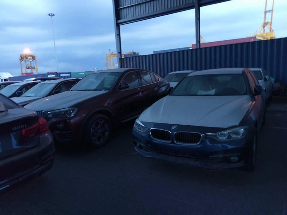 """Cận cảnh 700 xe sang của """"gã khổng lồ"""" BMW đang phủ bụi tại cảng - Ảnh 7"""