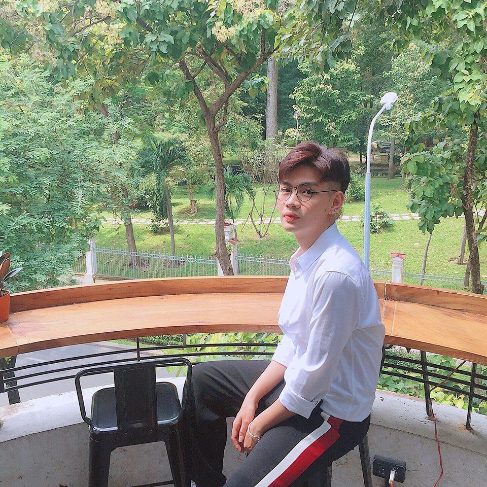 Giới tính và chiêu trò ỡm ờ của nghệ sĩ Việt - Ảnh 1