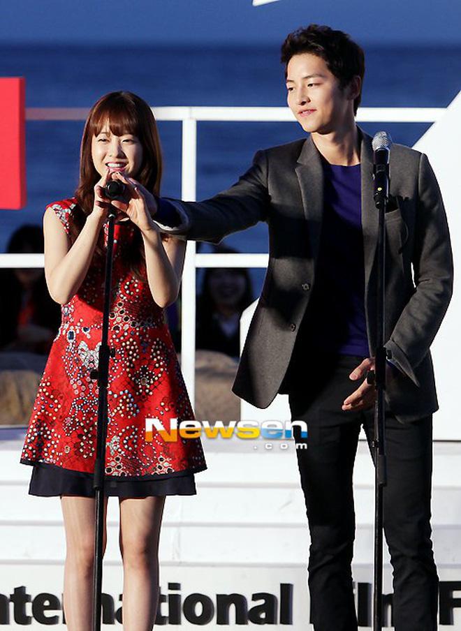 Đây là dàn khách mời siêu sao xứ Hàn dự đám cưới thế kỷ của Song Joong Ki và Song Hye Kyo? - Ảnh 19
