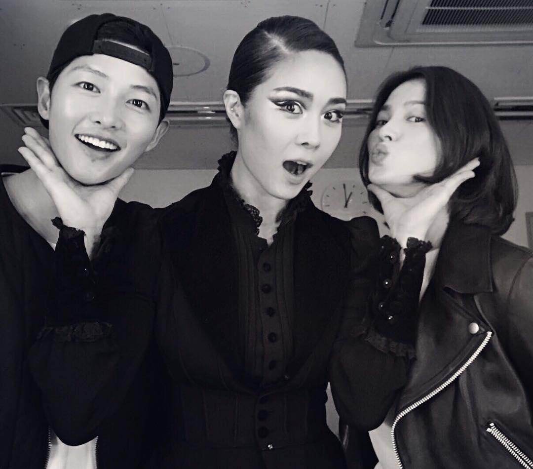 Đây là dàn khách mời siêu sao xứ Hàn dự đám cưới thế kỷ của Song Joong Ki và Song Hye Kyo? - Ảnh 23