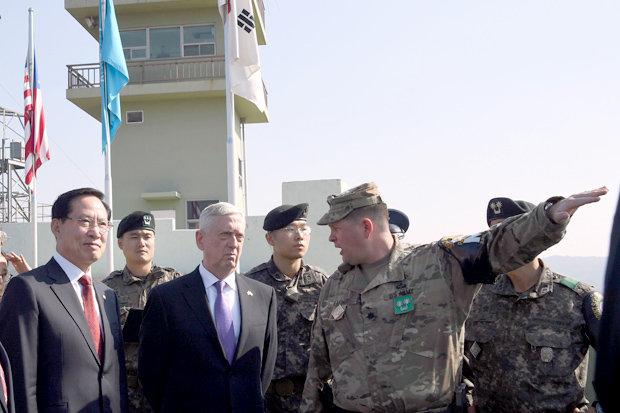 Bí ẩn cuộc diễn tập trong bóng tối của Triều Tiên và cảnh báo của Phó TT Mỹ - Ảnh 3